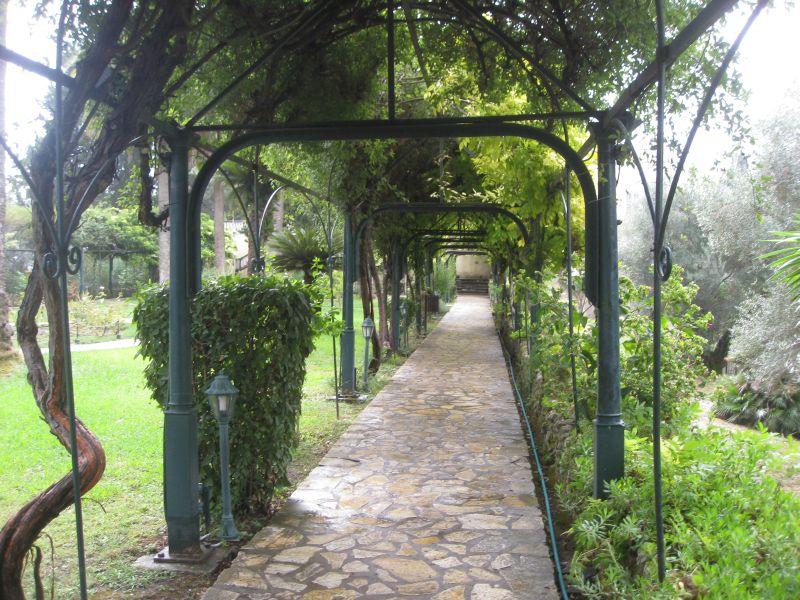 Im Garten des Achilleion