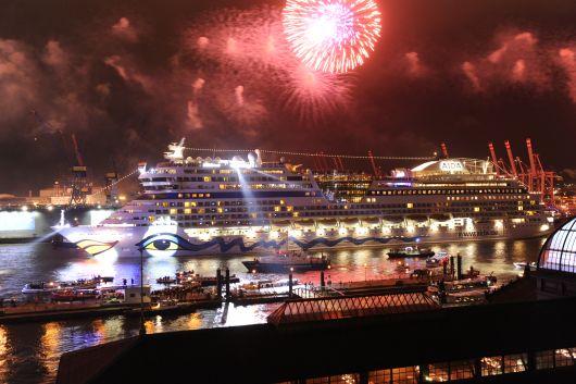 Aida Feuerwerk 2012 (Foto: AIDA Cruises)