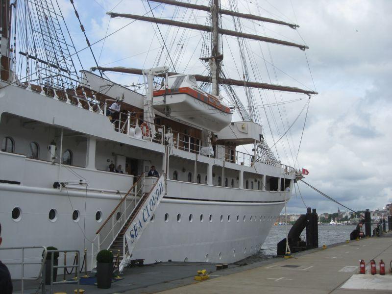 Sea Cloud II in Hamburg