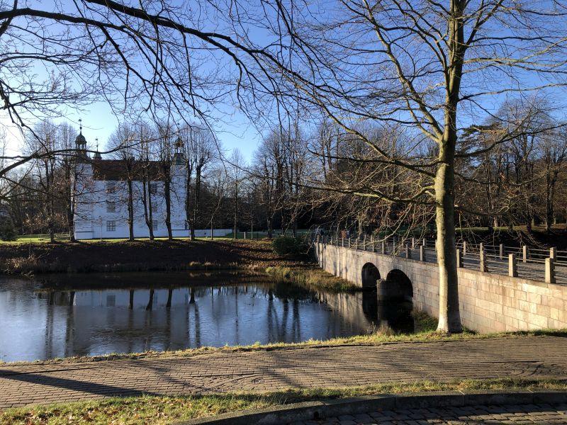Ahrensburger Schloss mit Brücke